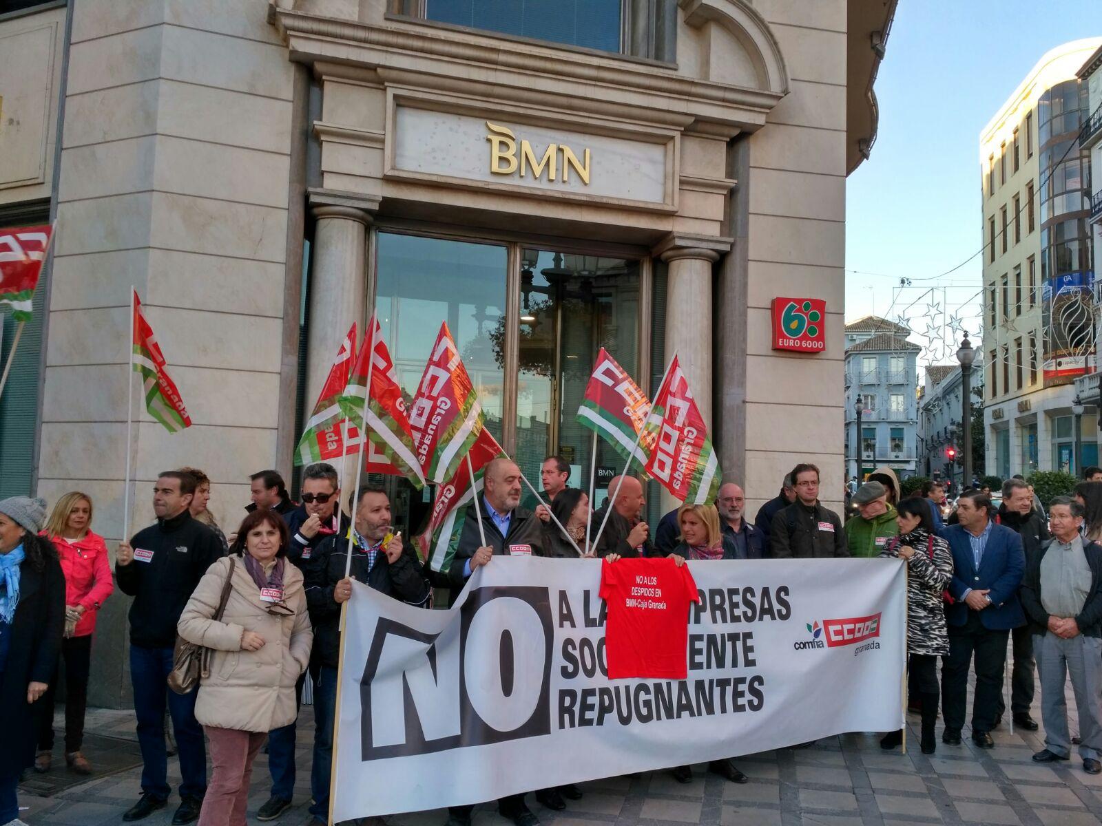 Contra la exclusi n financiera de la provincia y por el for Bmn caja granada oficinas