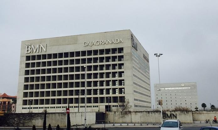 Bankia comienza a negociar el recorte de plantilla en bmn for Bmn caja granada oficinas