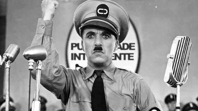 Charle Chaplin, en 'El gran dictador' (1940).