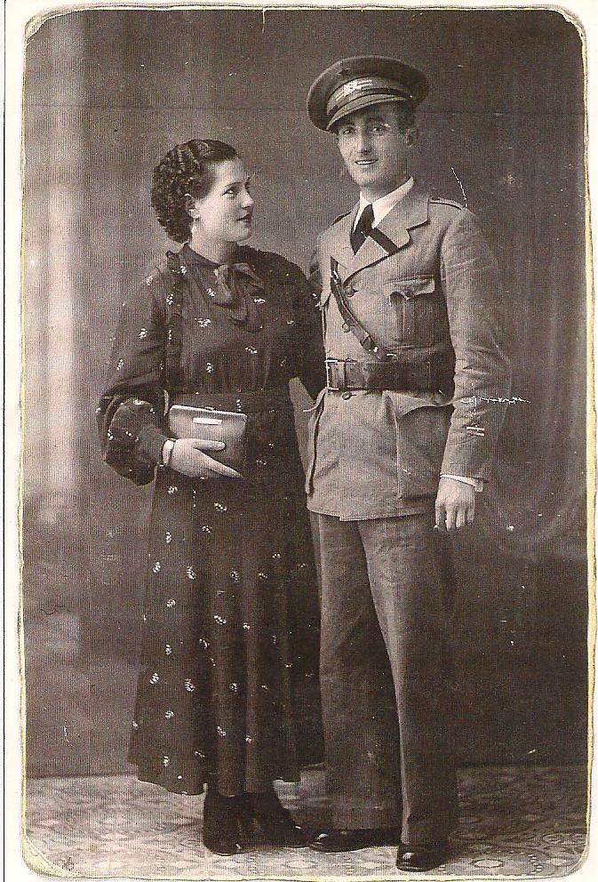 Eufrasio Martínez con su segunda mujer, tras casarse en segundas nupcias, en Barcelona.