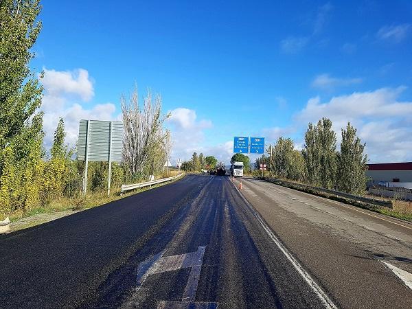 La obra ha mejorado el firme en sus dos kilómetros de longitud.