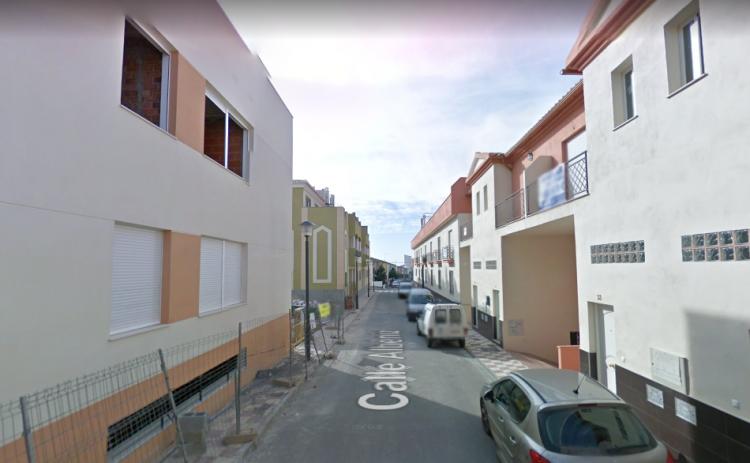Los hechos ocurrieron en la calle Albéniz de Albolote.