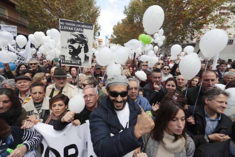 Jesús Candel, 'Spiriman', al frente de una última manifestación.