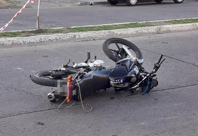 Una moto accidentada.