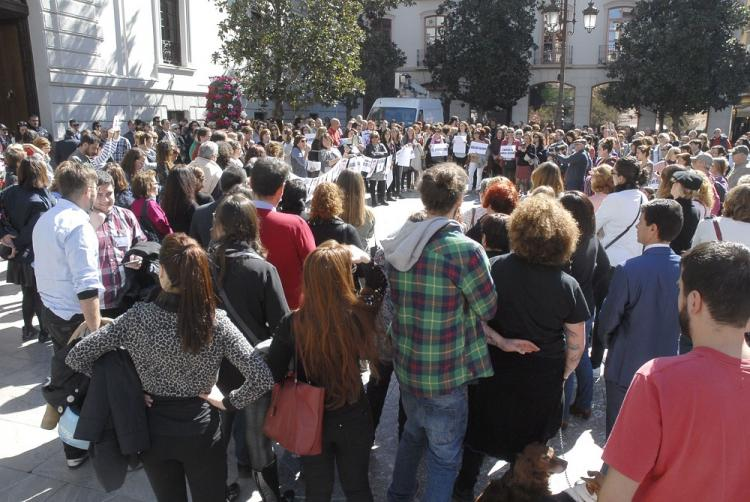 Concentración celebrada en la Plaza del Carmen a las puertas del Ayuntamiento.