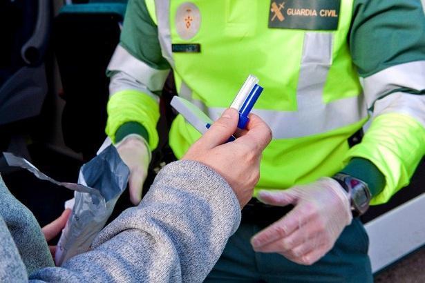 Control de alcoholemia y drogas de la Guardia Civil de Tráfico.