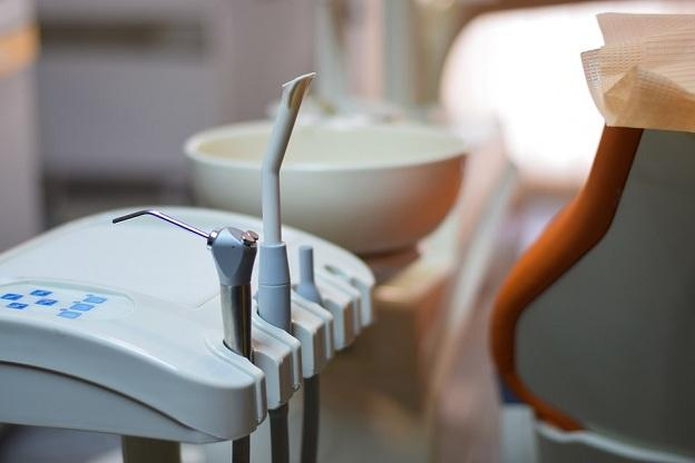 El caso ocurrió en una clínica dental granadina.