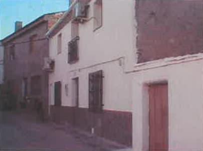 La vivienda está en la calle Eras, 20 de El Turro.