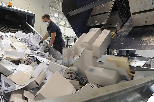 Imagen de archivo de la destrucción de documentos judiciales.