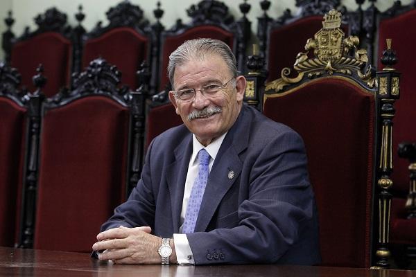 Eduardo Torres.