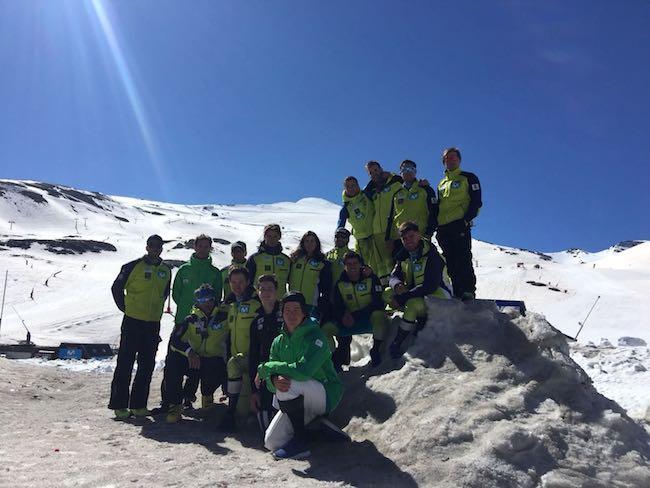 Equipo nacional de esquí alpino y los corredores de la cantera, en Sierra Nevada.