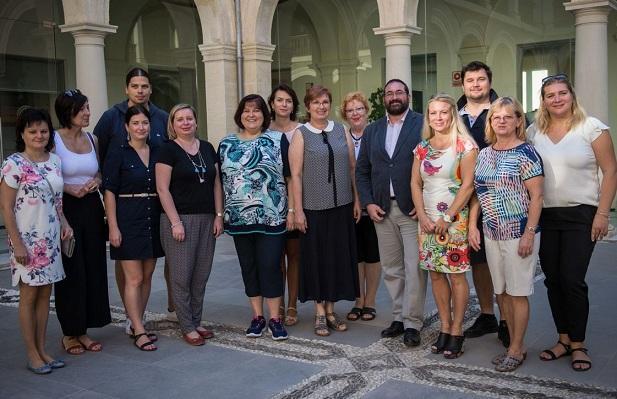Delegación de Eslovaquia, en el edificio de la Normal.
