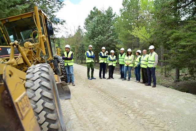 Uno de los caminos mejorados, en la Sierra de Huétor.