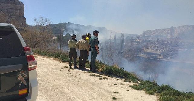 Incendio en la ribera del río Galera.