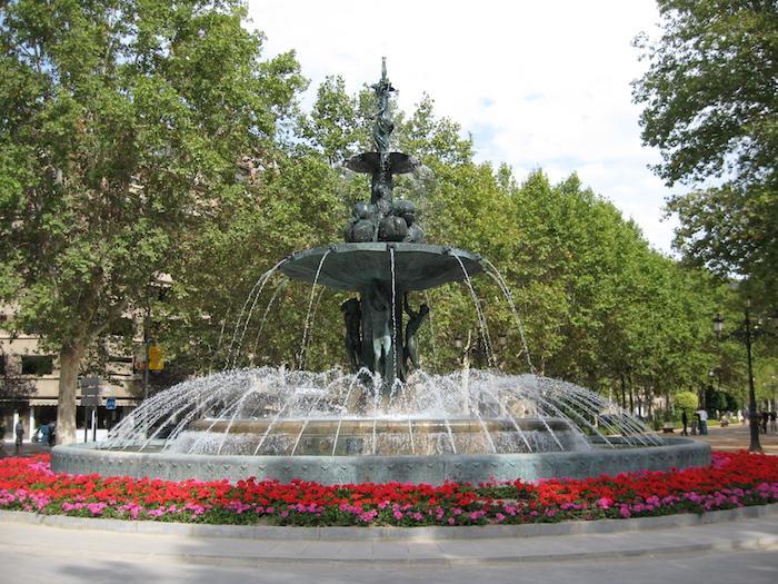 Fuente de las Granadas a comienzos del verano.