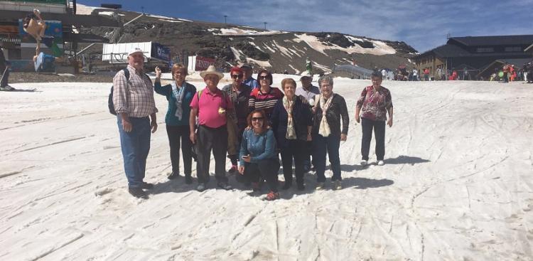 Algunos de los participantes en esta entrañable actividad durante su excursión a Sierra Nevada.