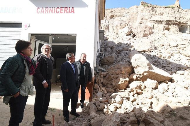 Visita institucional a la zona derrumbada en Zújar.