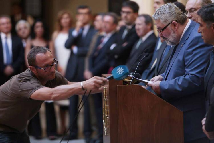 García Calderón será relevado por el Gobierno.