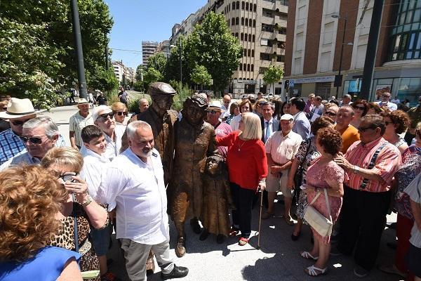 Inauguración del monumento a los emigrantes granadinos, en julio de 2018.