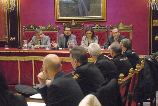 Junta Local Extraordinaria celebrada este lunes en el Ayuntamiento de Granada.