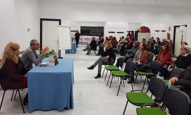 Presentación del libro en la asociación La Volaera.
