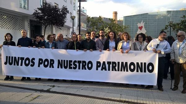 El alcalde de Loja, Joaquín Camacho, ha encabezado la concentración.