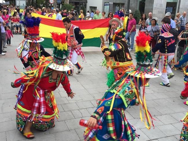 Un momento del desfile del Mestizaje celebrado en Granada.