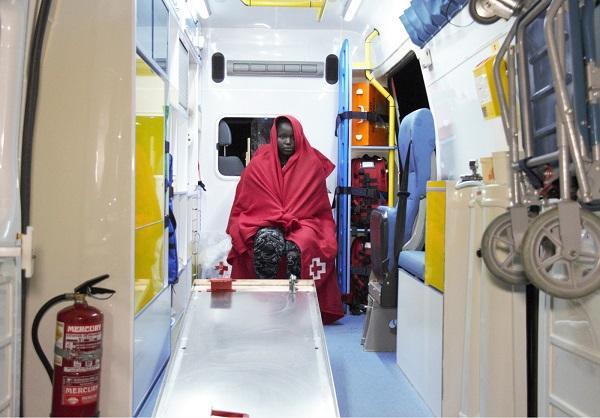 Una de las mujeres evacuadas al Hospital de Motril.