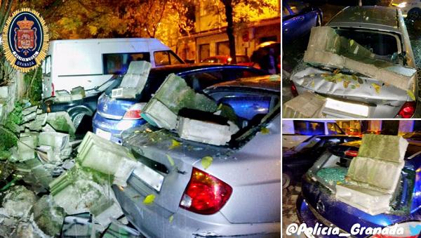 El derrumbe ha provocado daños materiales en vehículos.