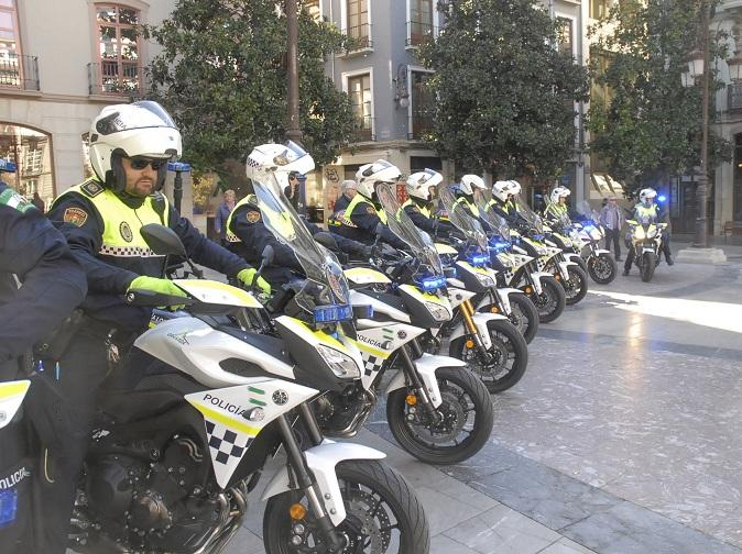 Nuevas motocicletas, en la Plaza del Carmen.
