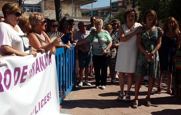 Francisca Granados junto a Juana Rivas en un acto de apoyo a la madre de Maracena el pasado verano.