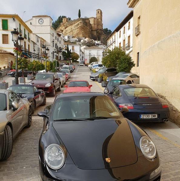 Montefrío se llenó de vehículos Porsche.