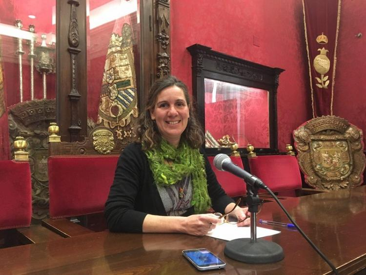 Pilar Rivas en rueda de prensa.