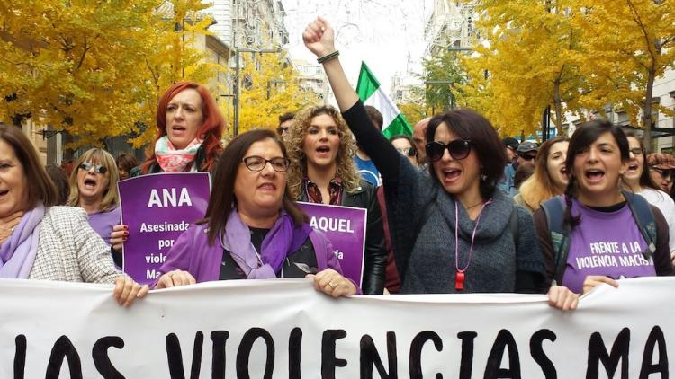 Juana Rivas ha encabezado la movilización, una de las más multitudinarias de los últimos años en Granada.