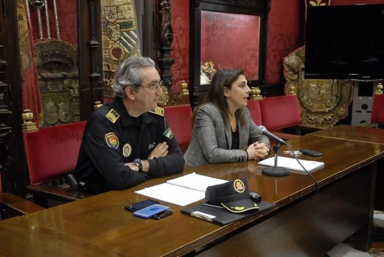 José Antonio Moreno y Raquel Ruz en una rueda de prensa.