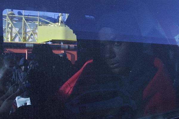 Los migrantes han sido trasladados al Puerto de Motril.