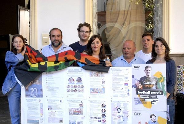 Al proyecto, que incluye la exposición en la Plaza del Carmen, se ha sumado también el Granada CF.