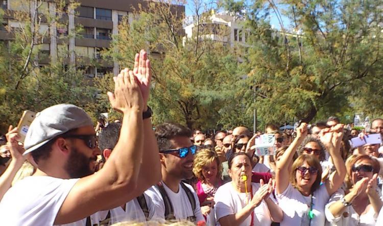 Jesús Candel, 'Spiriman', recibido en Puerta Real como un héore.