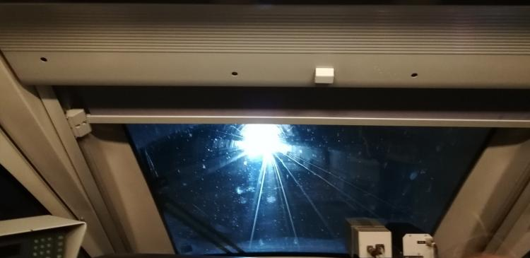 Tren laboratorio a su paso por uno de los túneles de Loja.