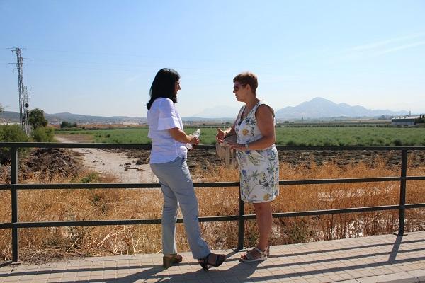 La subdelegada con la alcaldesa de Valderrubio.
