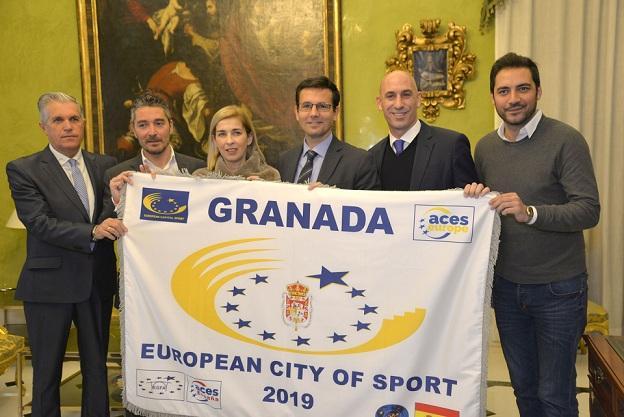 Luis Rubiales, junto al alcalde.