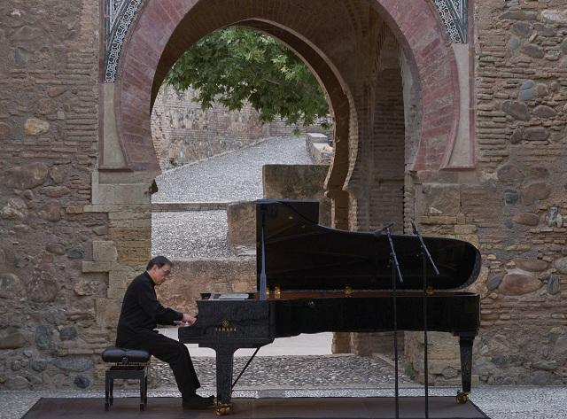 El pianista Pierre-Laurent Aimard, en un momento del homenaje.