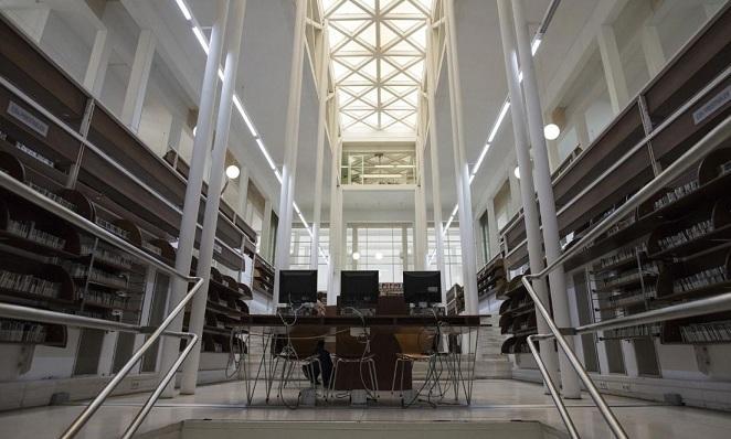 Una de las estancias de la biblioteca.