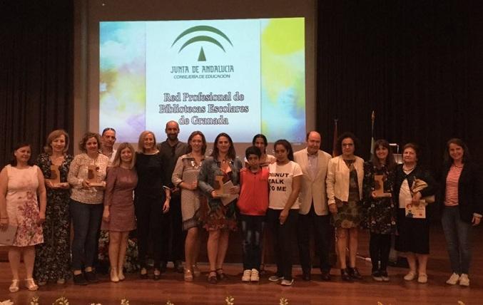 Familias y profesionales de la red de bibliotecas galardonados.