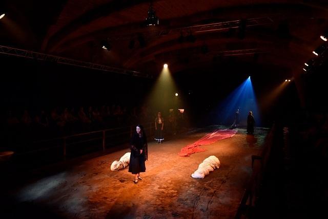 Una imagen del espectáculo de La Perla 29.