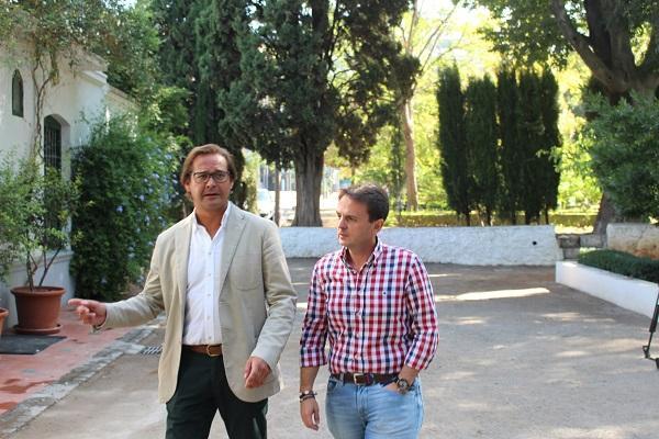 Fuentes y Granados en su visita a la Huerta de San Vicente.