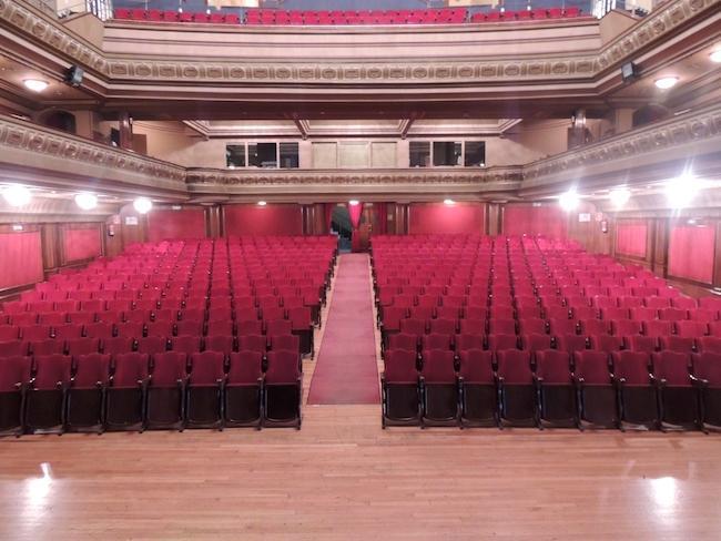 Teatro Isabel La Católica.