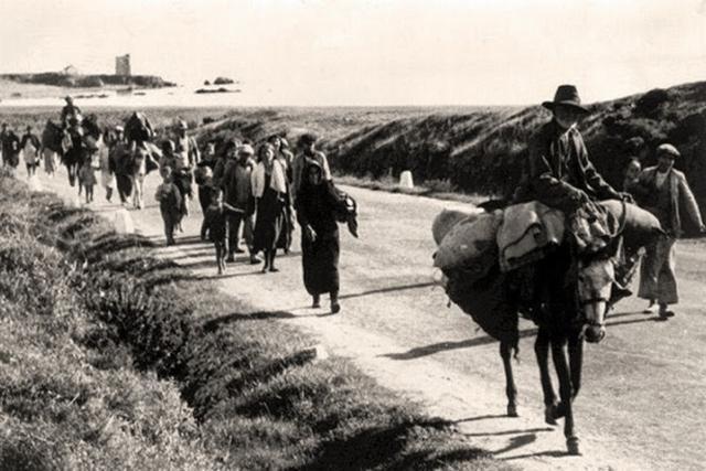 Huyendo de la represión franquista en 'la Desbandá'.