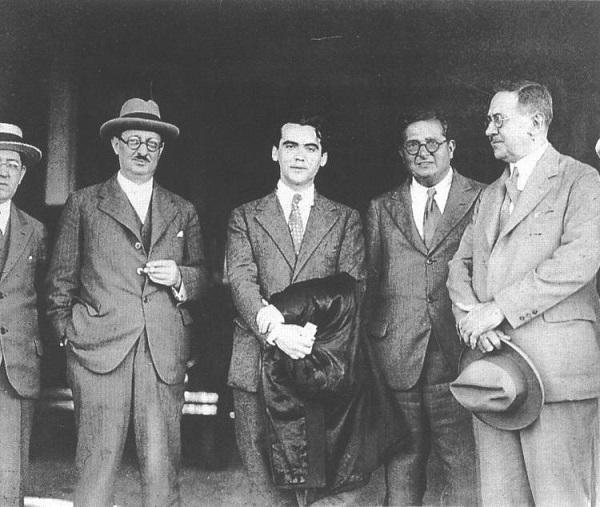 Lorca a su llegada a La Habana, en 1930, en una imagen distribuida por la Junta.
