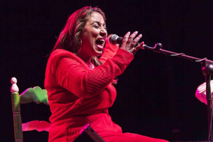Montse Cortés, en plena actuación.